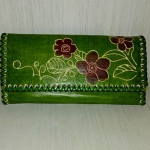 VINTAGE GREEN FLORAL WHIP STICH LEATHER WALLET